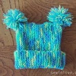 Free baby hat knitting pattern with pom poms: Garter stitch only!