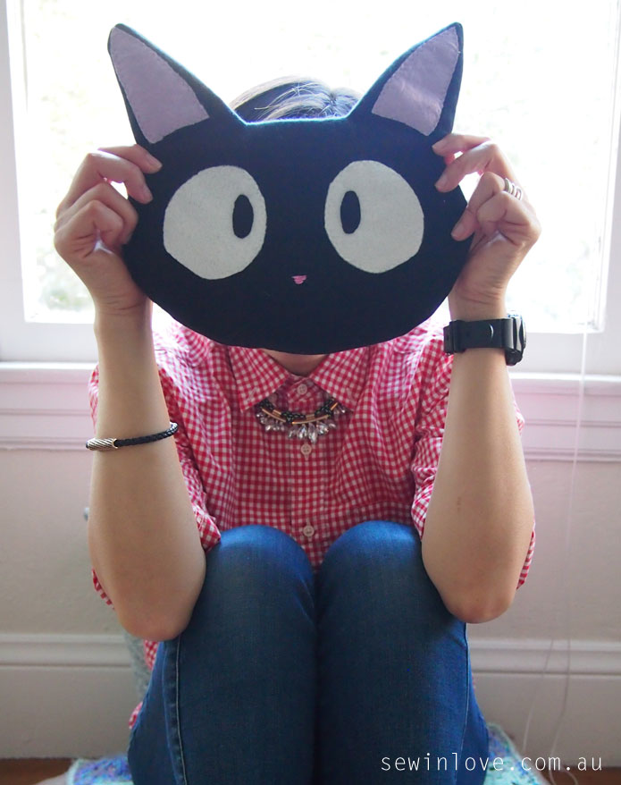 Ghibli-jiji-cat-purse-sewing-pattern-Rin