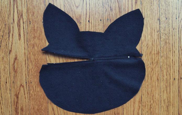 Ghibli-jiji-cat-purse-sewing-pattern-zipper