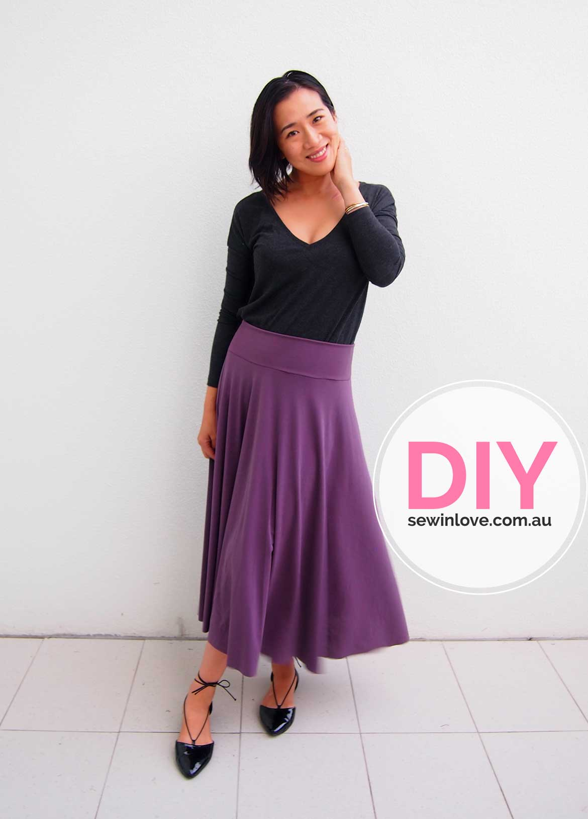 DIY Circle Skirt | How to make an easy half circle skirt. This yoga skirt is extremely comfortable and looks great with flats. Learn how to make it at Sewinlove.com.au!