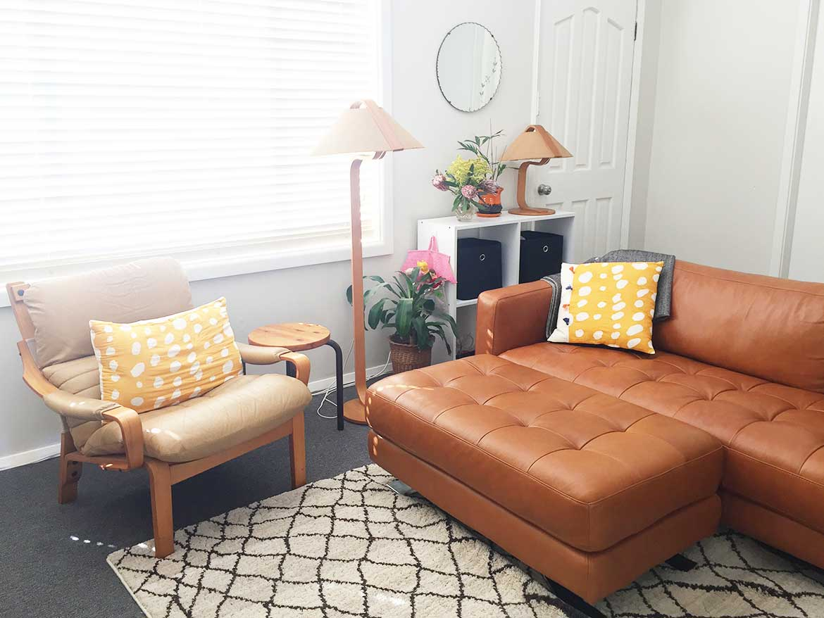 Room Reveal Our Temporary Living Room Sew In Love