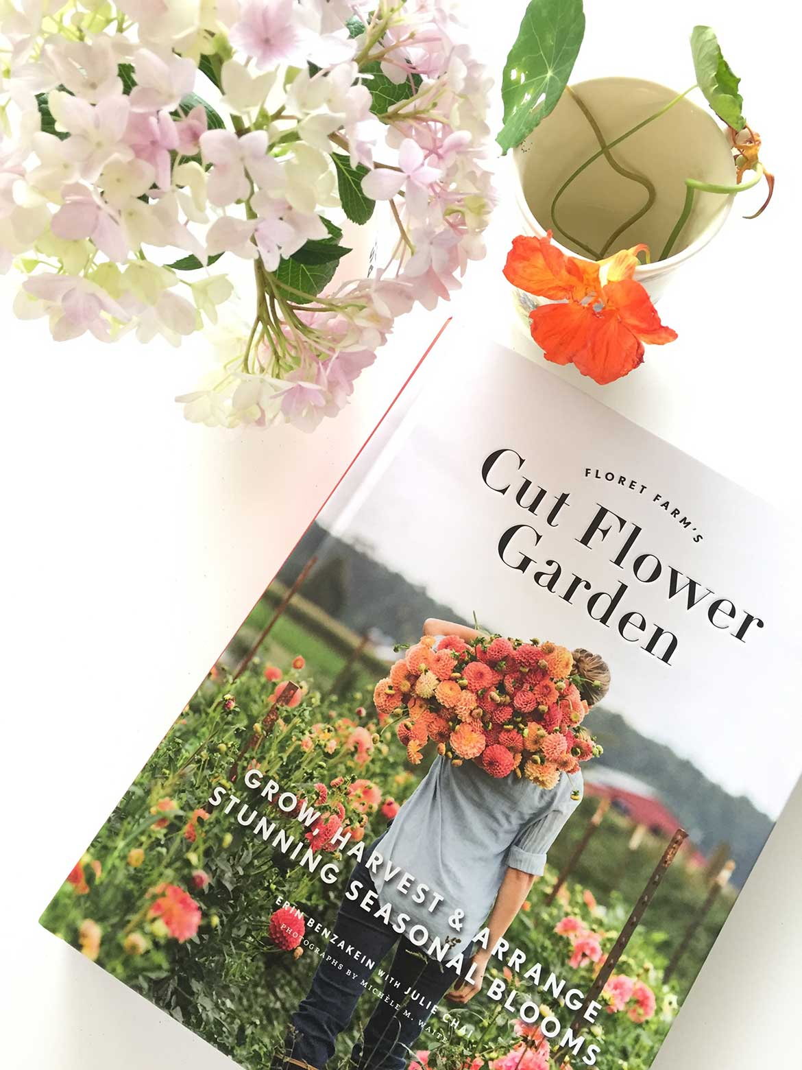 Cut Flower Garden by Erin Benzakein | I've started my own little plot to grow cutting flowers, using the easy to understand tips from this beautiful book.